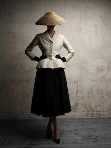 DiorVIII-The-Bar-suit---HC-SS1947---Photo-Demarchelier
