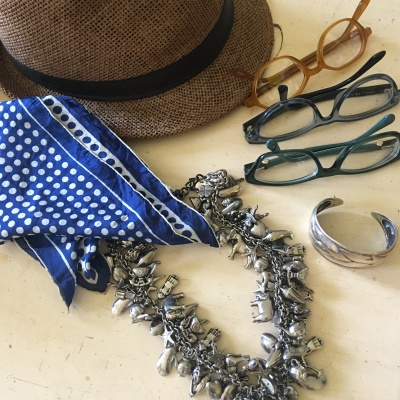 style a circle skirt with accessories